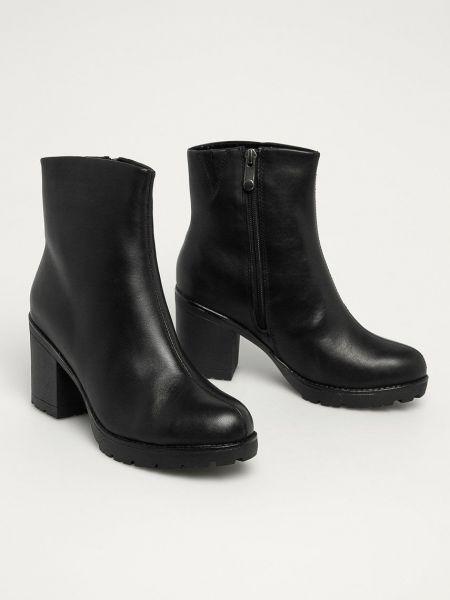 Кожаные ботинки Marco Tozzi