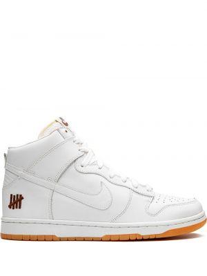 Белые кожаные высокие кроссовки на шнуровке Nike