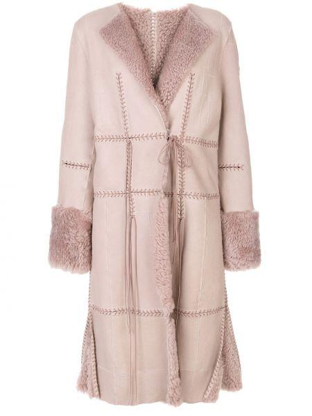 Розовое пальто классическое с лацканами из овчины с завязками Alexander Mcqueen