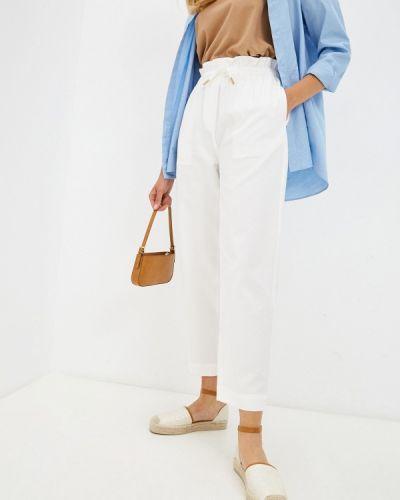 Белые зауженные брюки Unq