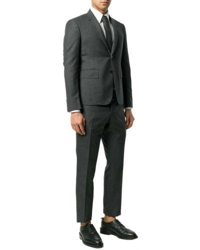 Szary garnitur Thom Browne
