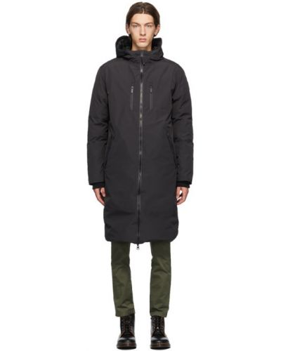 Satynowy czarny płaszcz z kapturem Nobis