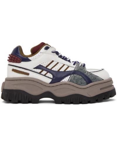 Włókienniczy biały skórzane sneakersy na sznurowadłach z łatami Eytys
