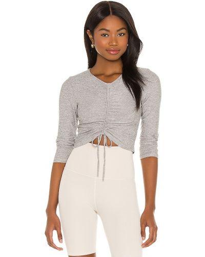 Укороченный пуловер - серебряный Beyond Yoga