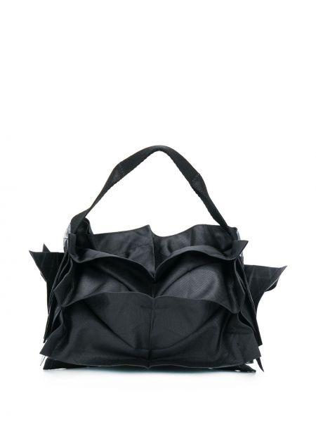 Черная сумка-тоут со вставками со складками 132 5. Issey Miyake