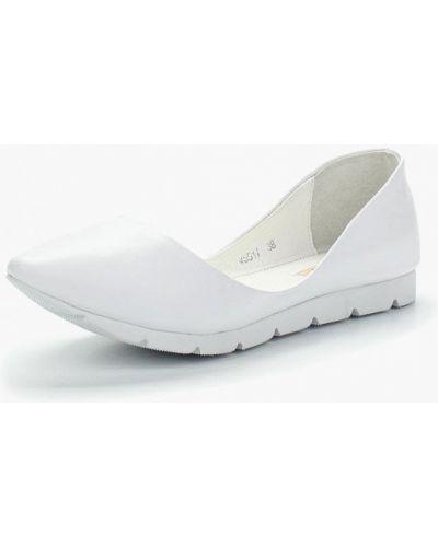 Белые кожаные балетки Vitacci