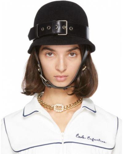 Czarny kapelusz z klamrą z paskiem od królika Gucci