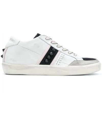 Белые кроссовки с перфорацией Leather Crown
