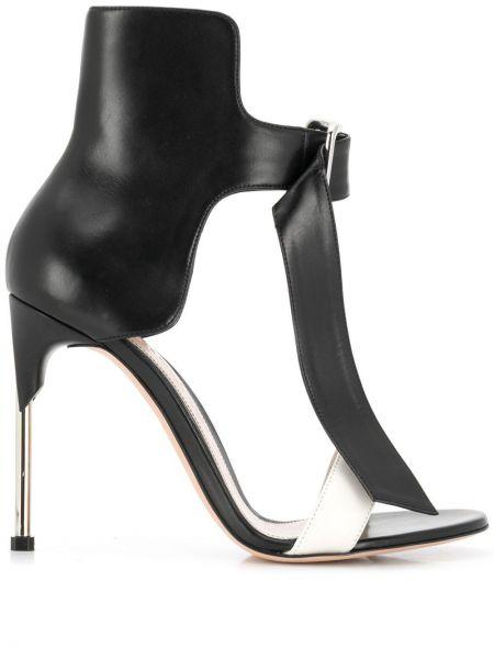 Sandały z klamrami czarny i biały Alexander Mcqueen