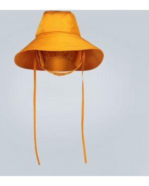 Желтая шапка Valentino
