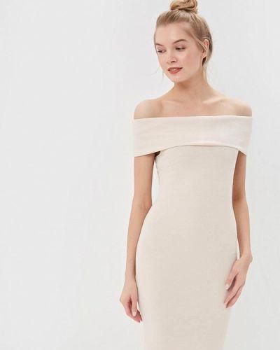 Платье с открытыми плечами бежевое City Goddess
