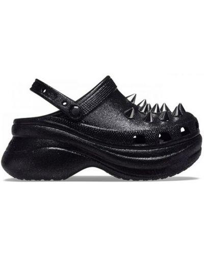 Czarne chodaki Crocs