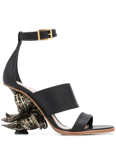 Czarny sandały z klamrą na pięcie z prawdziwej skóry Alexander Mcqueen