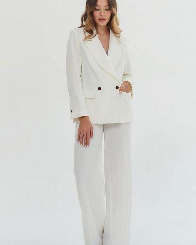 Белый костюмный брючный костюм Madlen