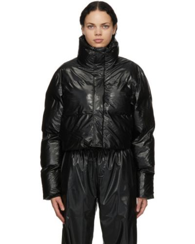 С рукавами черная стеганая длинная куртка Rains