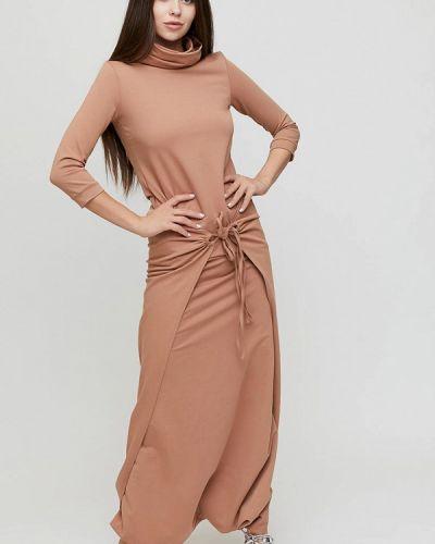 Прямое бежевое платье Cardo