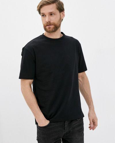 С рукавами черная футболка Aarhon