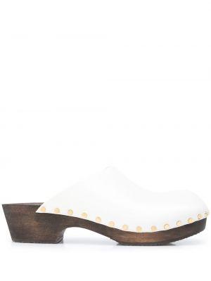 Białe klapki skorzane Khaite