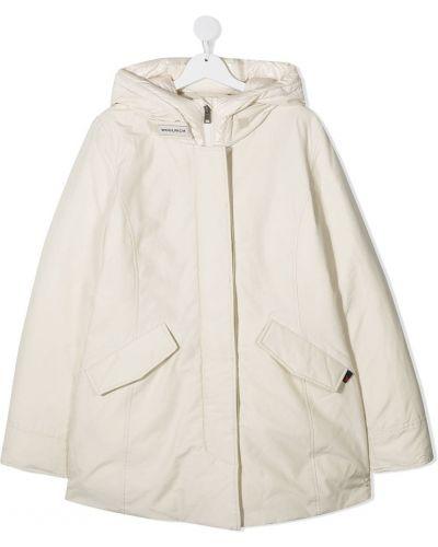 С рукавами классическое белое длинное пальто с капюшоном Woolrich Kids