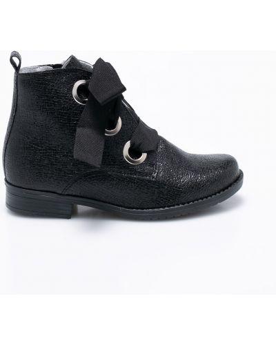 Ботинки кожаные на шнуровке Kornecki