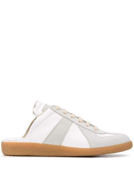 Белые кроссовки на шнуровке с заплатками с открытой спиной Maison Margiela