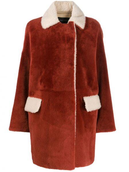 Красное кожаное длинное пальто с воротником Cara Mila