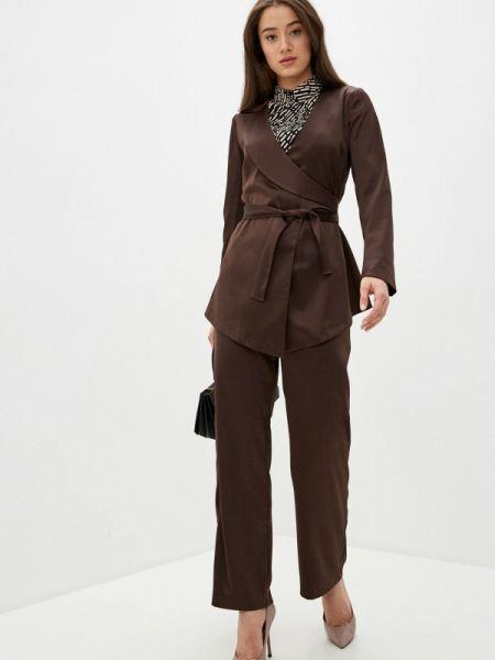 Костюмный коричневый брючный костюм Adzhedo