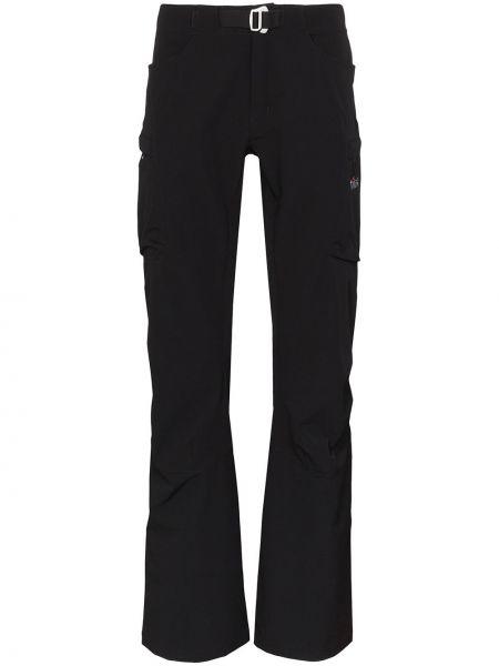 Czarne spodnie z paskiem z haftem Tilak