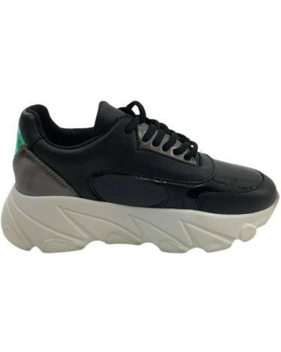 Czarne sneakersy Fracomina