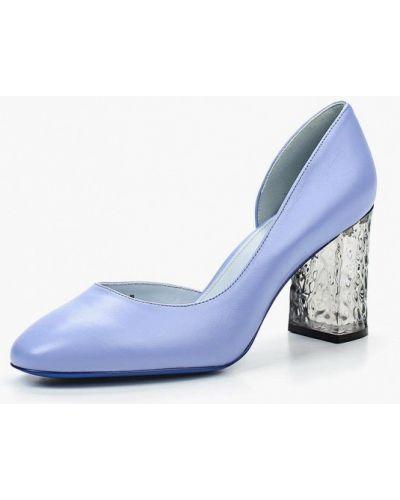 Кожаные туфли на каблуке закрытые Ekonika
