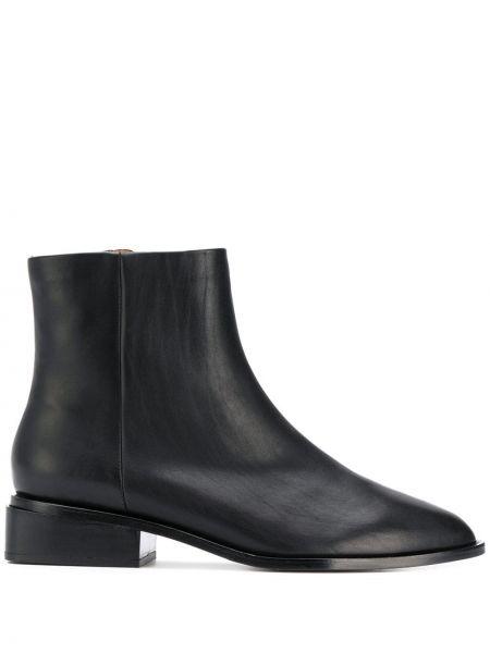 Czarne botki na niskiej szpilce Clergerie
