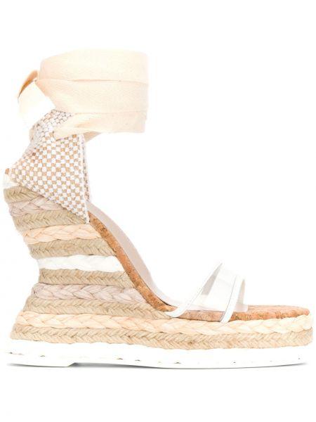 Beżowy skórzany sandały na koturnie na pięcie na platformie Sophia Webster