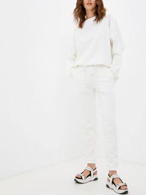 Белый демисезонный спортивный костюм Malaeva