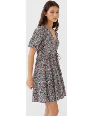 Платье мини с цветочным принтом базовый Stradivarius