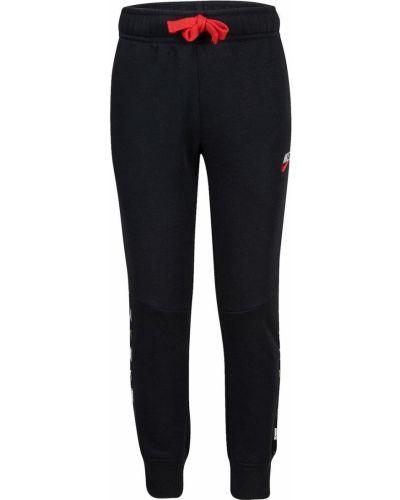Czarne spodnie casual Nike