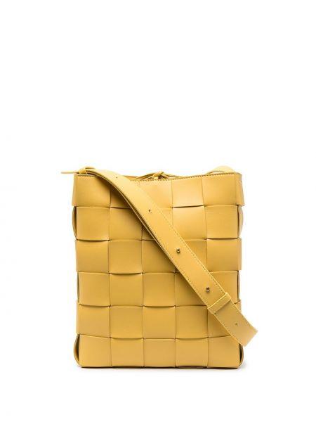 Желтая кожаная косметичка с карманами Bottega Veneta