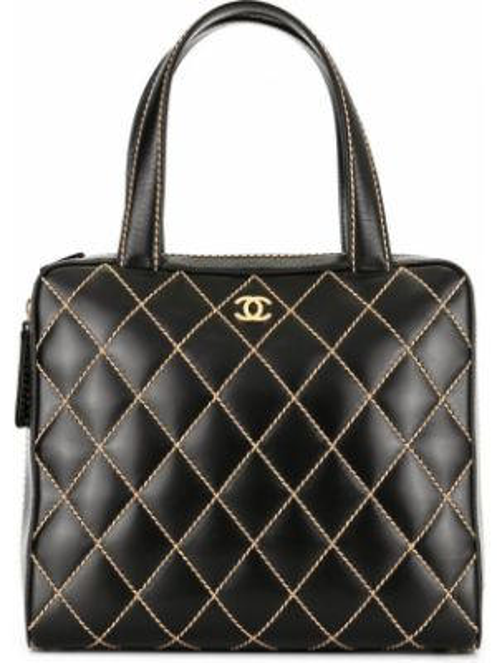Черная стеганая кожаная сумка круглая на молнии Chanel Pre-owned