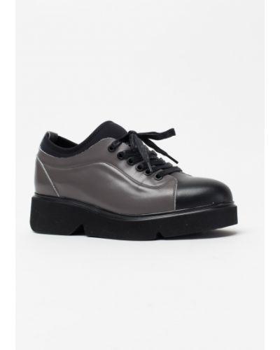 Кожаные туфли черные серые Vensi