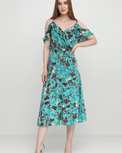 Платье с открытыми плечами весеннее Escena