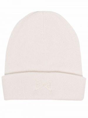 Biała czapka z haftem Barrie