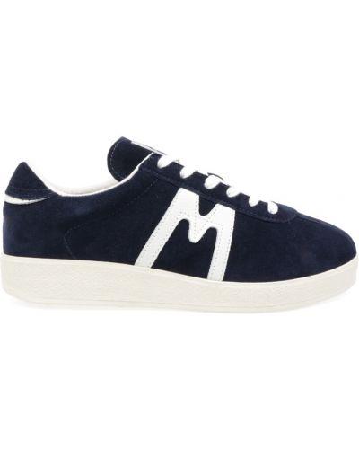 Białe sneakersy na lato Karhu