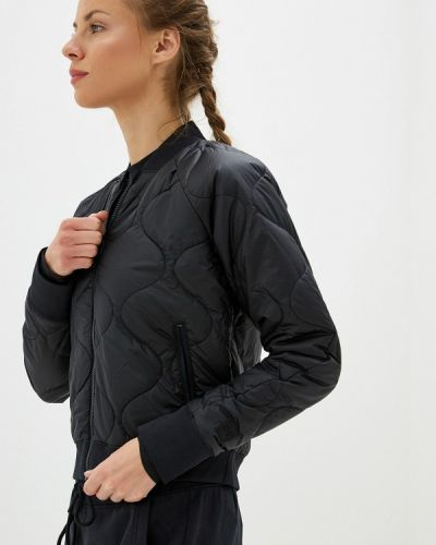 Утепленная куртка осенняя черная Under Armour