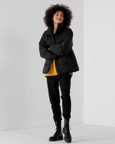 Спортивная куртка - черная Outhorn