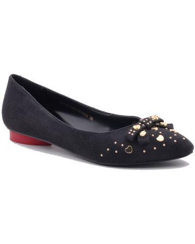 Кожаные туфли осенние замшевые Moschino