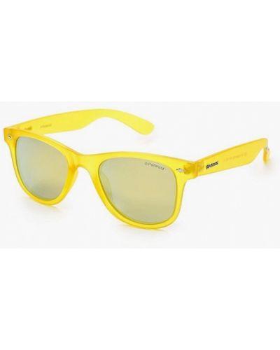Желтые солнцезащитные очки Polaroid