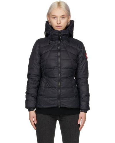 Пуховая черная длинная куртка с капюшоном Canada Goose
