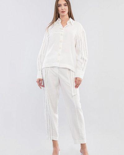 Костюмный белый костюм Maxa