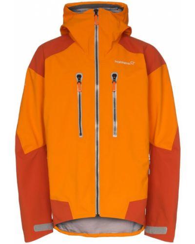 Оранжевая куртка Norrona