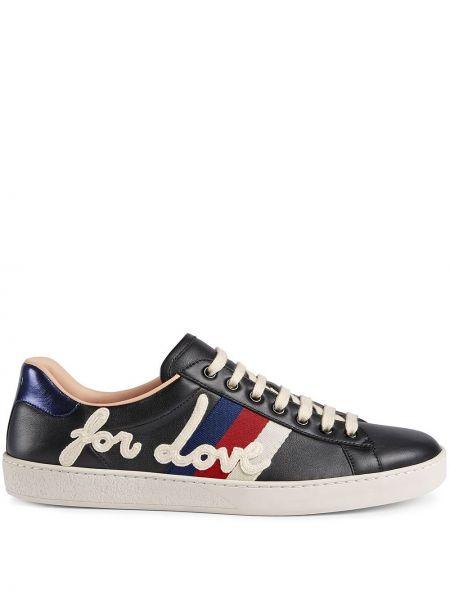 Skórzany czarny skórzane sneakersy zabytkowe z haftem Gucci