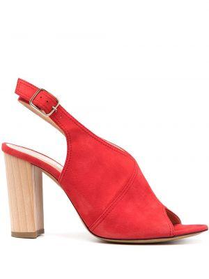 Кожаные красные босоножки на каблуке с пряжкой Tila March